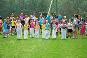 diamond jubilee spain : sack race 2012