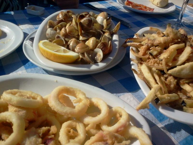 Almejas and calamares